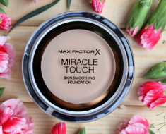 Упаковка Miracle Touch Foundation