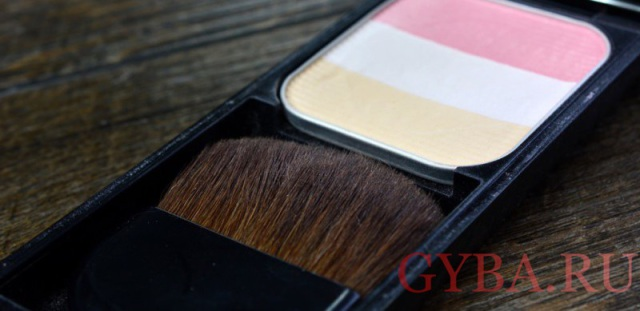 Оттенок румян RS1 Face Color Enhancing Trio от Shiseido